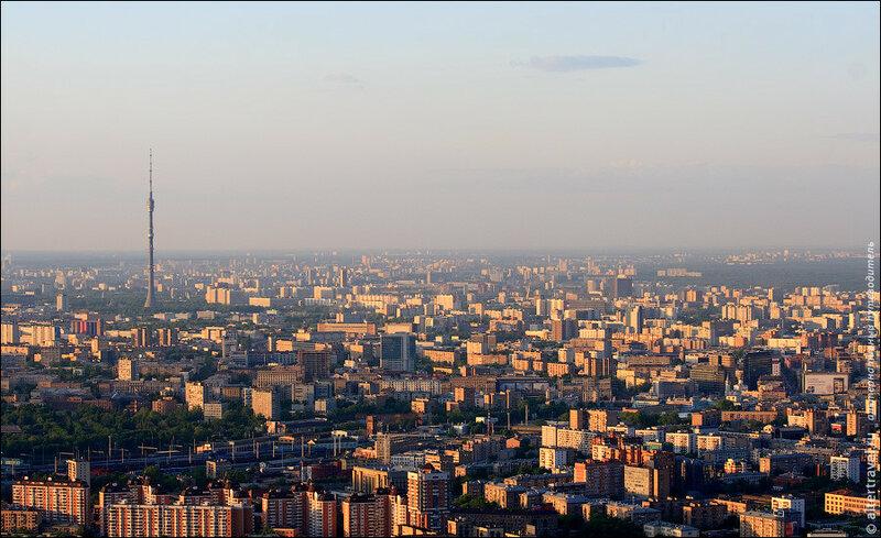 Вид на север Москвы и Останкинскую телебашню