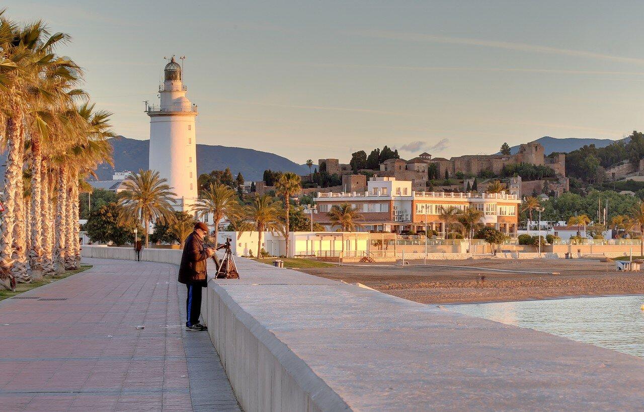 Malaga. Sunrise in seaport