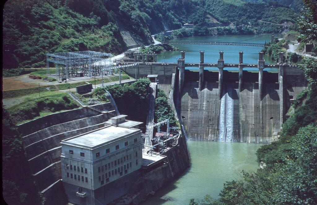 Powerplant at Lake Yose