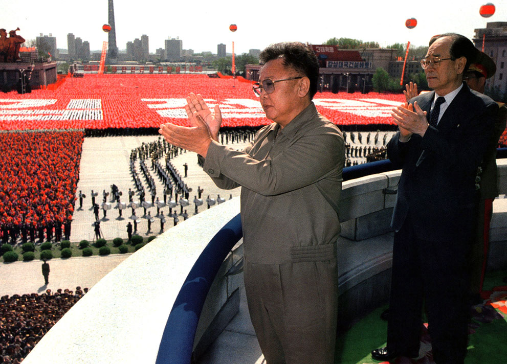 Ким Чен Ир 1942 – 2011 (36 фото)