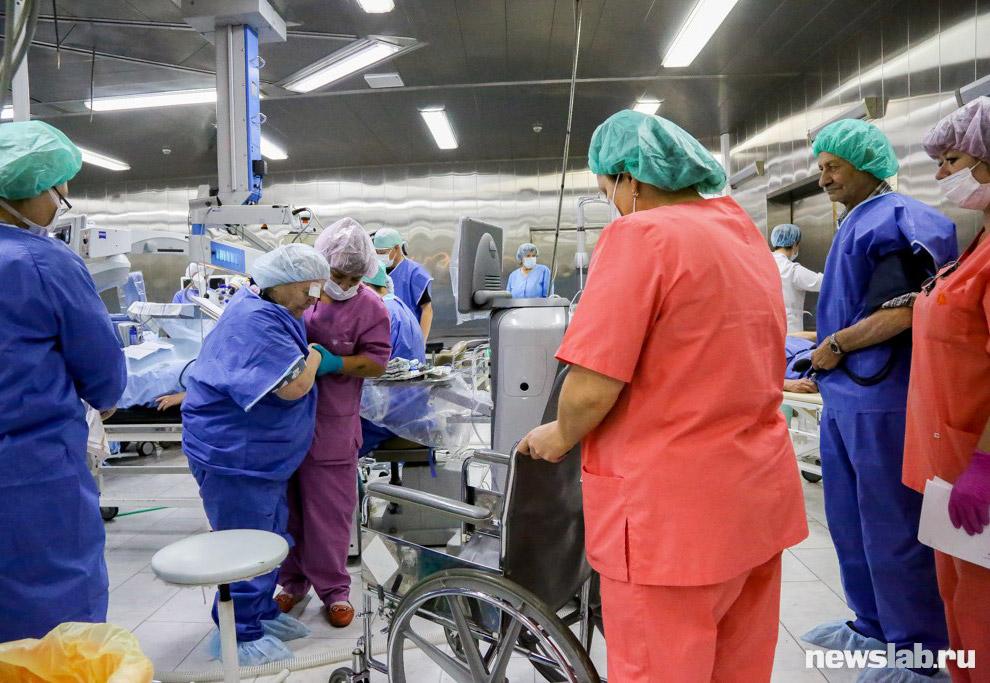 6. Операции проводят специалисты высочайшей квалификации. Всего в иркутской клинике работают 43