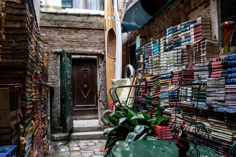 5 книжных магазинов, из которых не хочется уходить