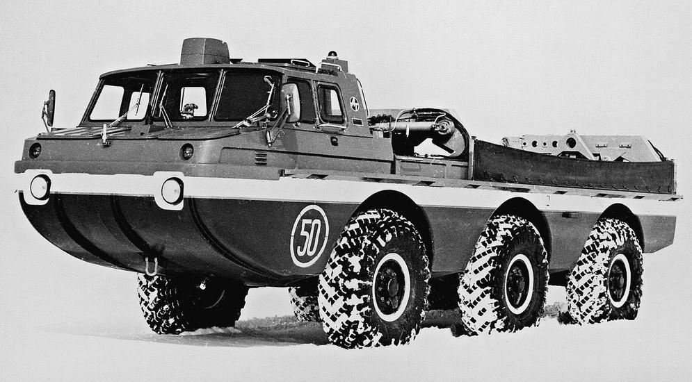 Прототип плавающей пассажирской машины ЗИЛ-49061. 1979 год (из архива 21 НИИЦ)