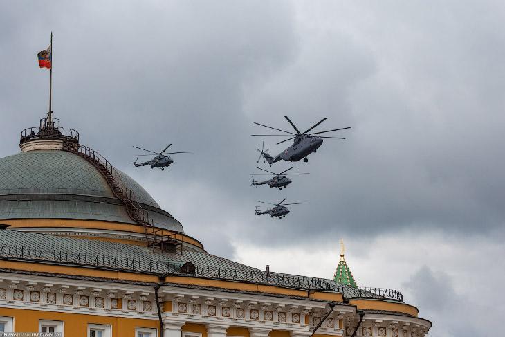 2. Вертолеты оказались, кстати, самыми шумными. Самолеты шли с еле слышным тихим шелестом.