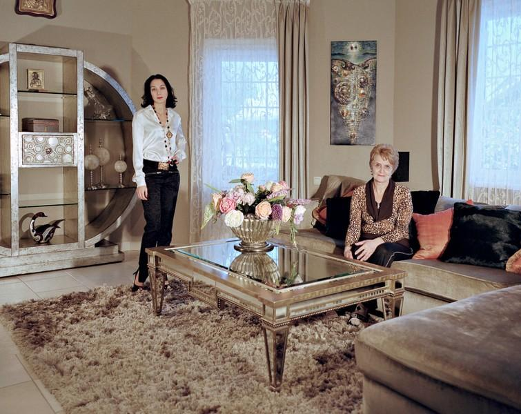 13. Гаянэ Погосян. Родилась в Ереване, окончила Педагогический институт. Двадцать лет в браке, двое