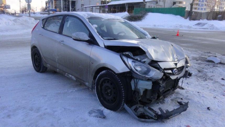 ВЕкатеринбурге вДТП сучастием скорой помощи пострадали несколько человек