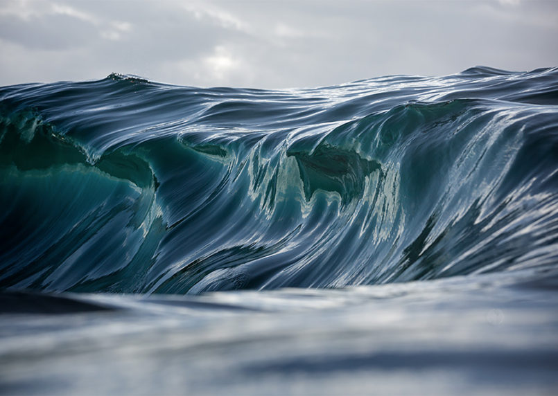 Majestic Waves: Photos by Warren Keelan