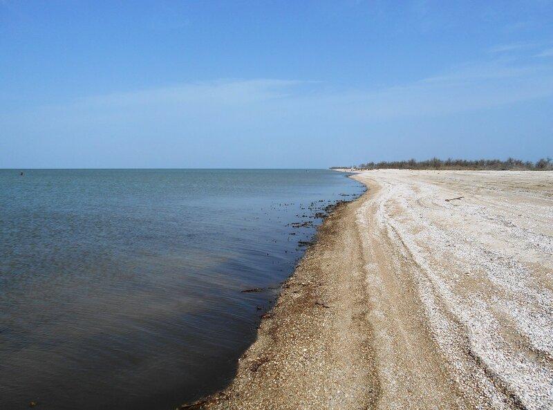 Море... песчаный берег, уходящий в даль ... DSCN5068.JPG
