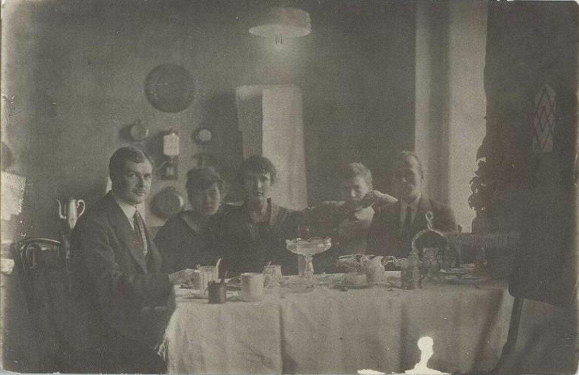 1910-е. Вечерний чай