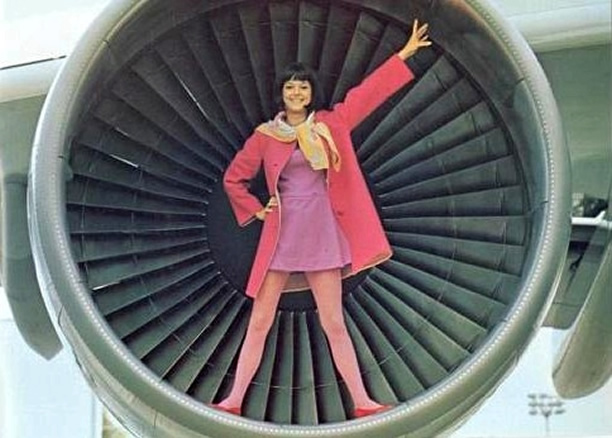 Stewardess_Girl_Pictures_AAG.jpg