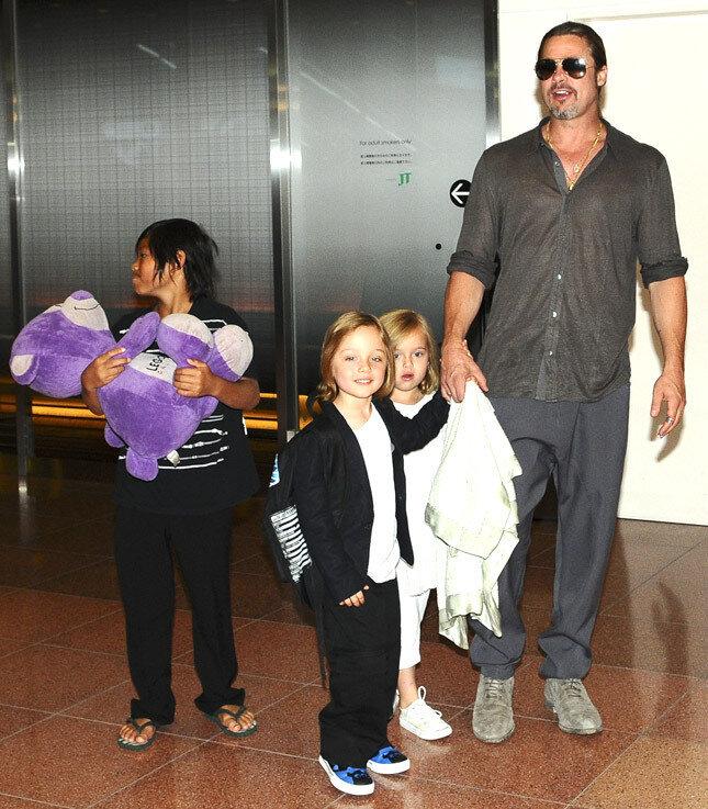 Брэд Питт и его дети Пакс, Нокс и Вивьен