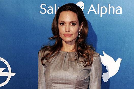 Джоли собирается бросить Голливуд ради своих детей
