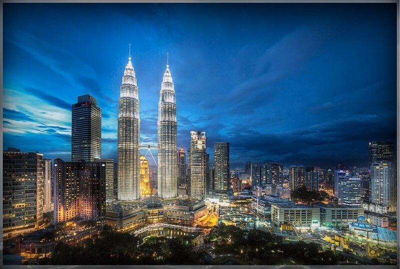 24. Башни Петронас(Куала - Лумпур, Малайзия).JPG