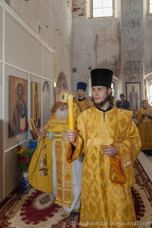 Первая Божественная литургия в родовом Храме Александра Суворова в селе Кистыш