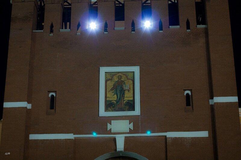 Икона Христа Спасителя на Спасской башне Московского Кремля