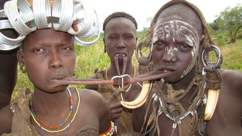 Голые из африки, порно наказание соперницы видео