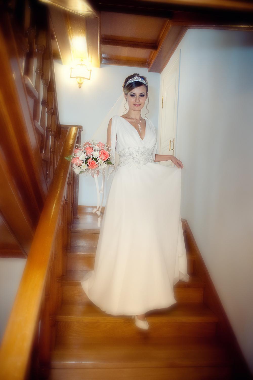 Подсматриваем за невестой