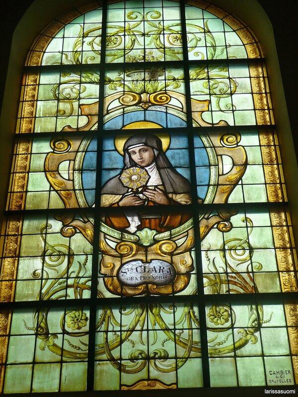 Витраж с изображением Св. Клары.