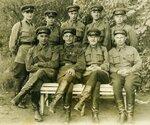 Группа офицеров 33 стрелковой 1941 год.jpg