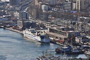 """Владивосток-2011: гадание на """"Жигулях"""", ветер АТЭС и салат из медведок"""