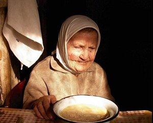 Приморские чиновники отказывают в помощи пожилой женщине
