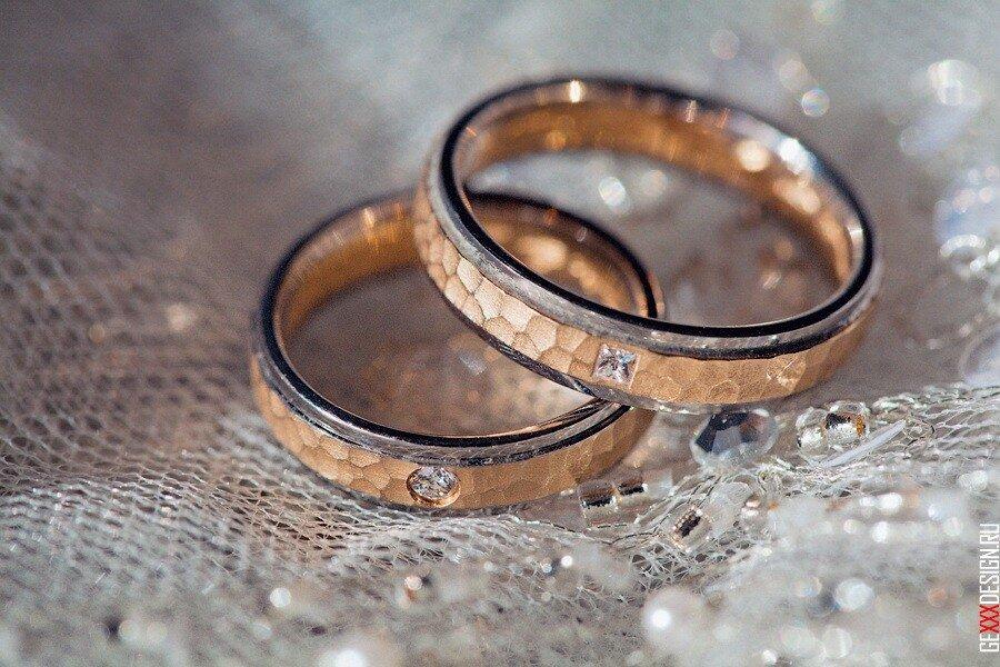 необычное кольцо с знаком для свадьба