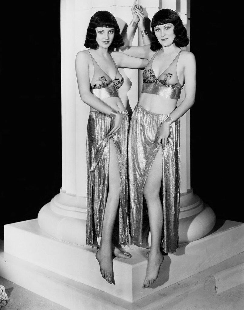 "Chrorus Girls in ""Roman Scandals"", 1933.jpg"