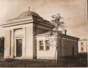 Общий вид здания часовни при Узловой железнодорожной больнице.