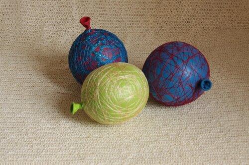 Как сделать шары из ниток на новый год.