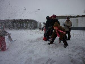 Снежный бой!