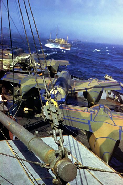 Wonderful Colour Photographs of World War II by Robert Capa (81).jpg