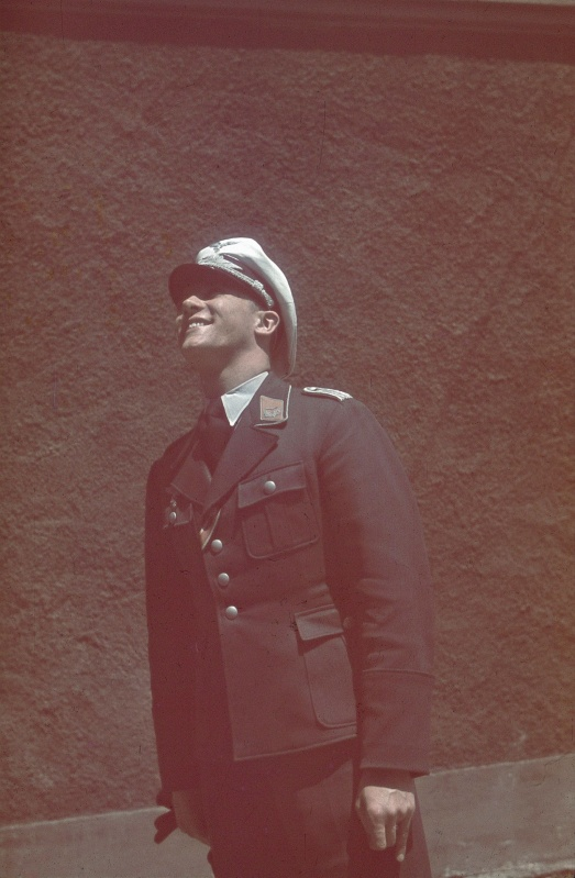 luftwaffe_lieutenant_oberdauen_1941.80kndr0yq28s04o4sws8gw048.ejcuplo1l0oo0sk8c40s8osc4.th.jpeg