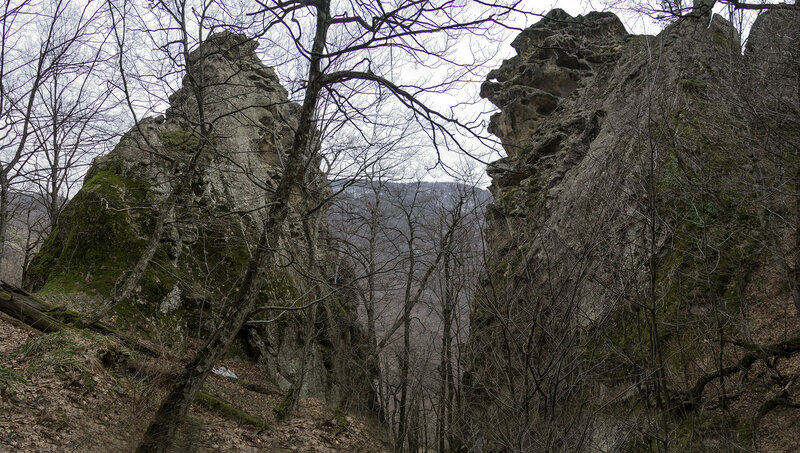 11. Скальная расщелина.