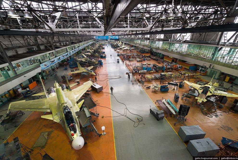 29. За монтаж и испытание основных систем самолета: гидравлики, топливной системы, двигателей, крыль