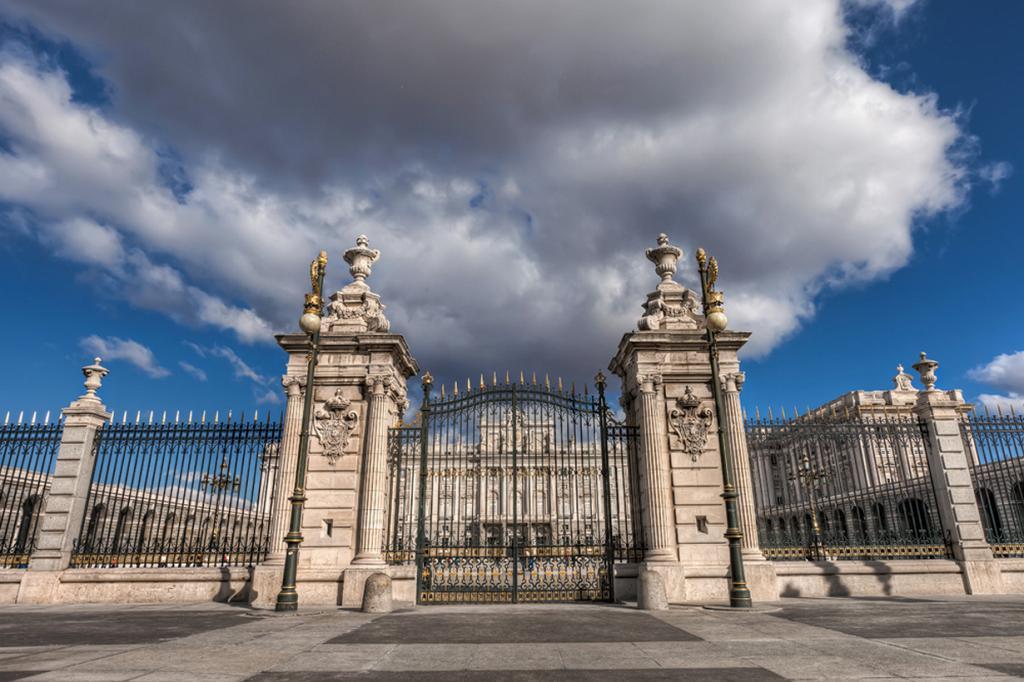 3 место. Мадрид. Королевский дворец. (Miroslav Petrasko)
