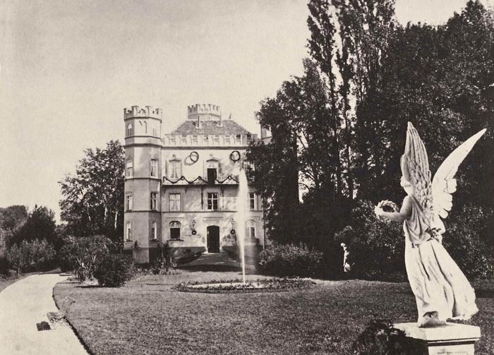 Замок Берг, 1886 год. Из Нойшванштайна Людвига с почтительной настойчивостью доставили в замок Берг