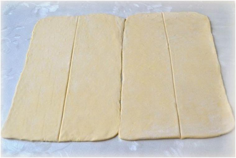 Оригинальный пирог из слоеного теста на скорую руку (7 фото)