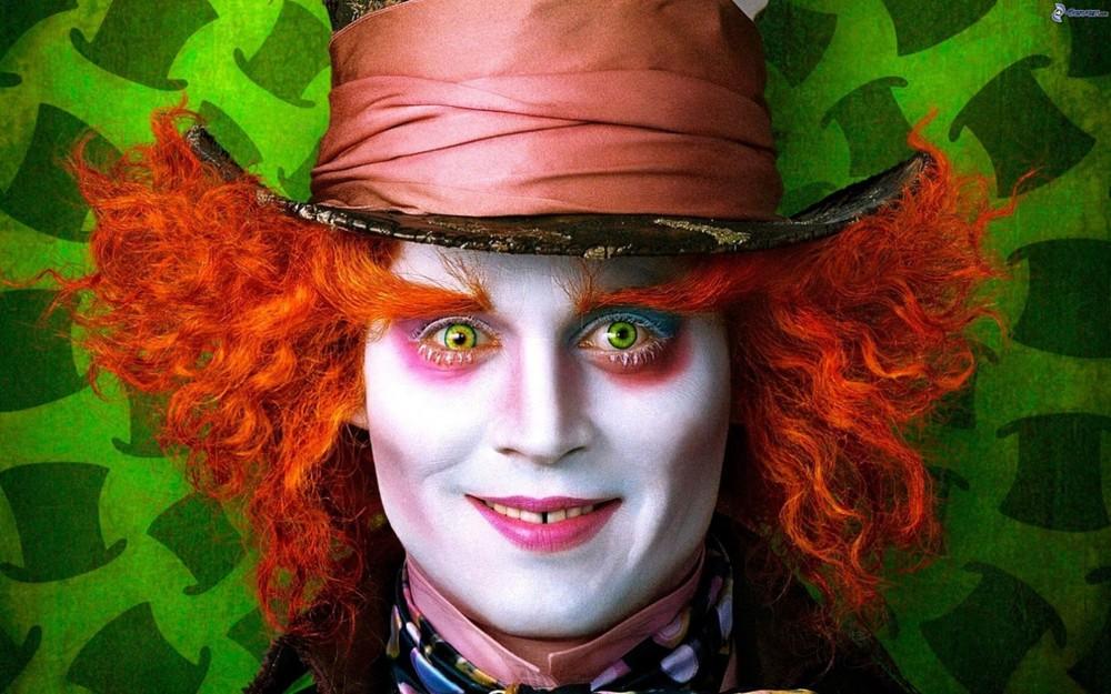 1. Джонни Депп страдает коулрофобией, то есть панически боится клоунов. Увидев клоуна, он может нача