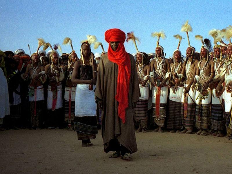 2. Фестиваль ухаживаний водабе В африканском племени водабе прихорашиваться любят отнюдь не женщины,