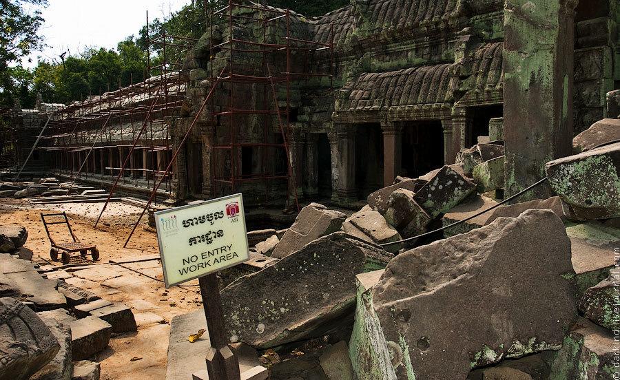 Стены и башни храмов постоянно «подшаманивают», укрепляют, приводят более благопристойный вид. Надо