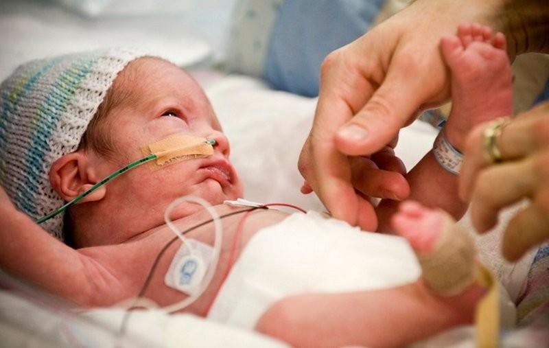Ученые: достоверные причины ранних родов установить нереально