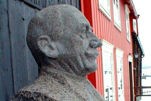 Statuen av maleren Harald Sohlberg