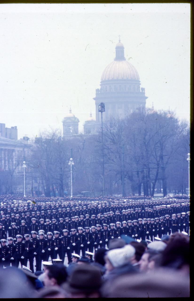 1977 Майкл Нойберт в Ленинграде. 1 мая (3).jpg