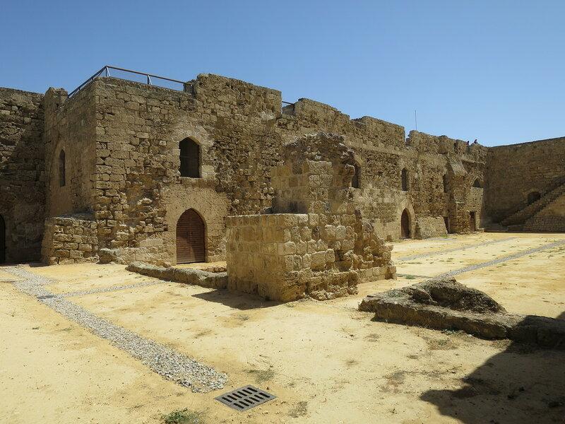 Фамагуста. Крепость. Помещение (4), арочный проем с западной стороны