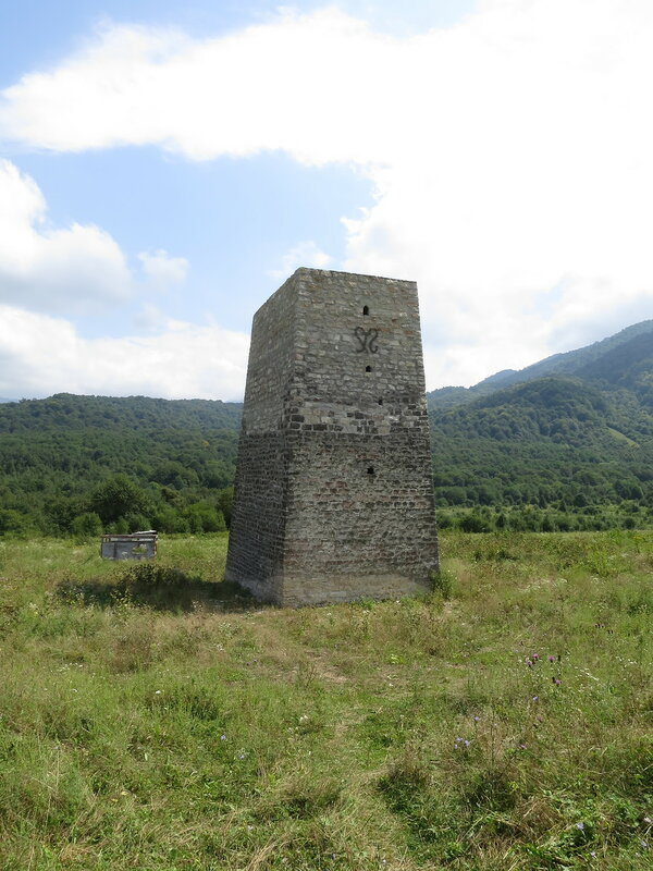 Башня у селения Верхний Алкун