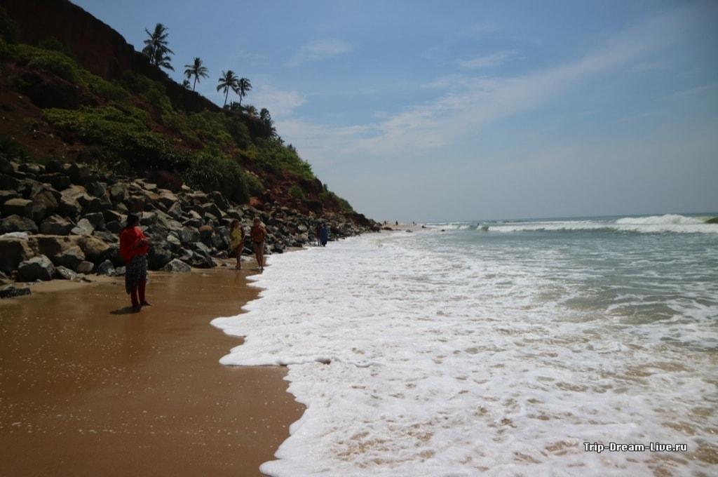 Проход к Южному пляжу заливает во время прилива