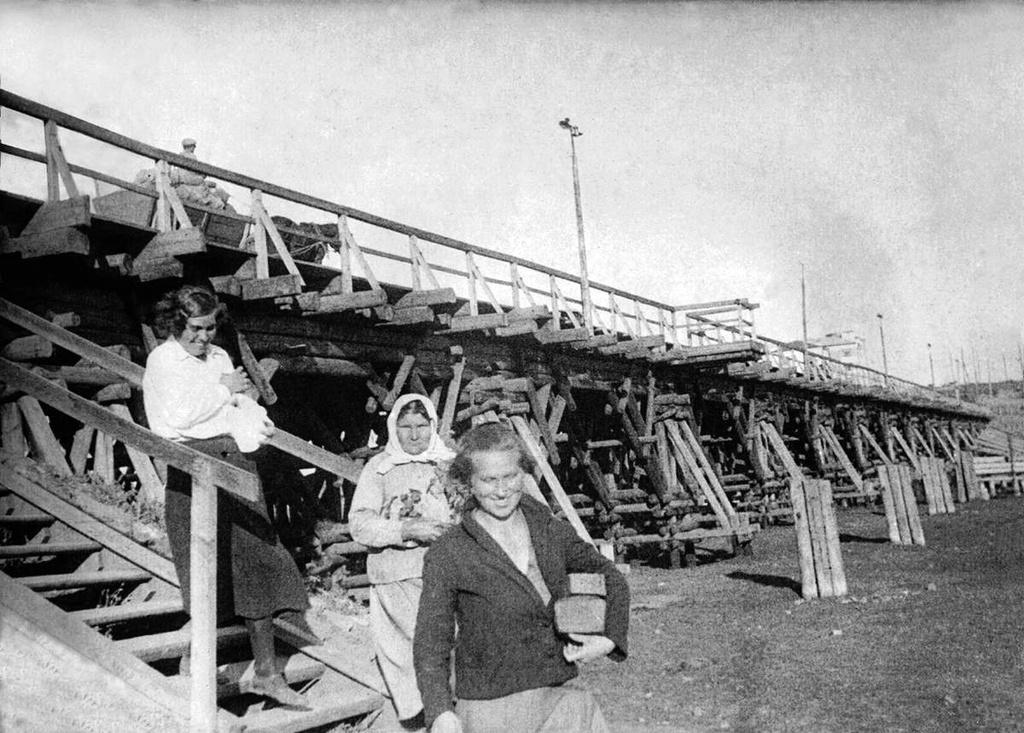 ЧЭМК. Деревянный мост через реку Миасс. 1933