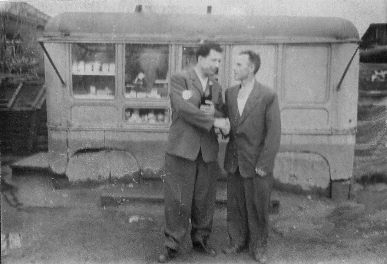 1957. Магазинчик в Аннино