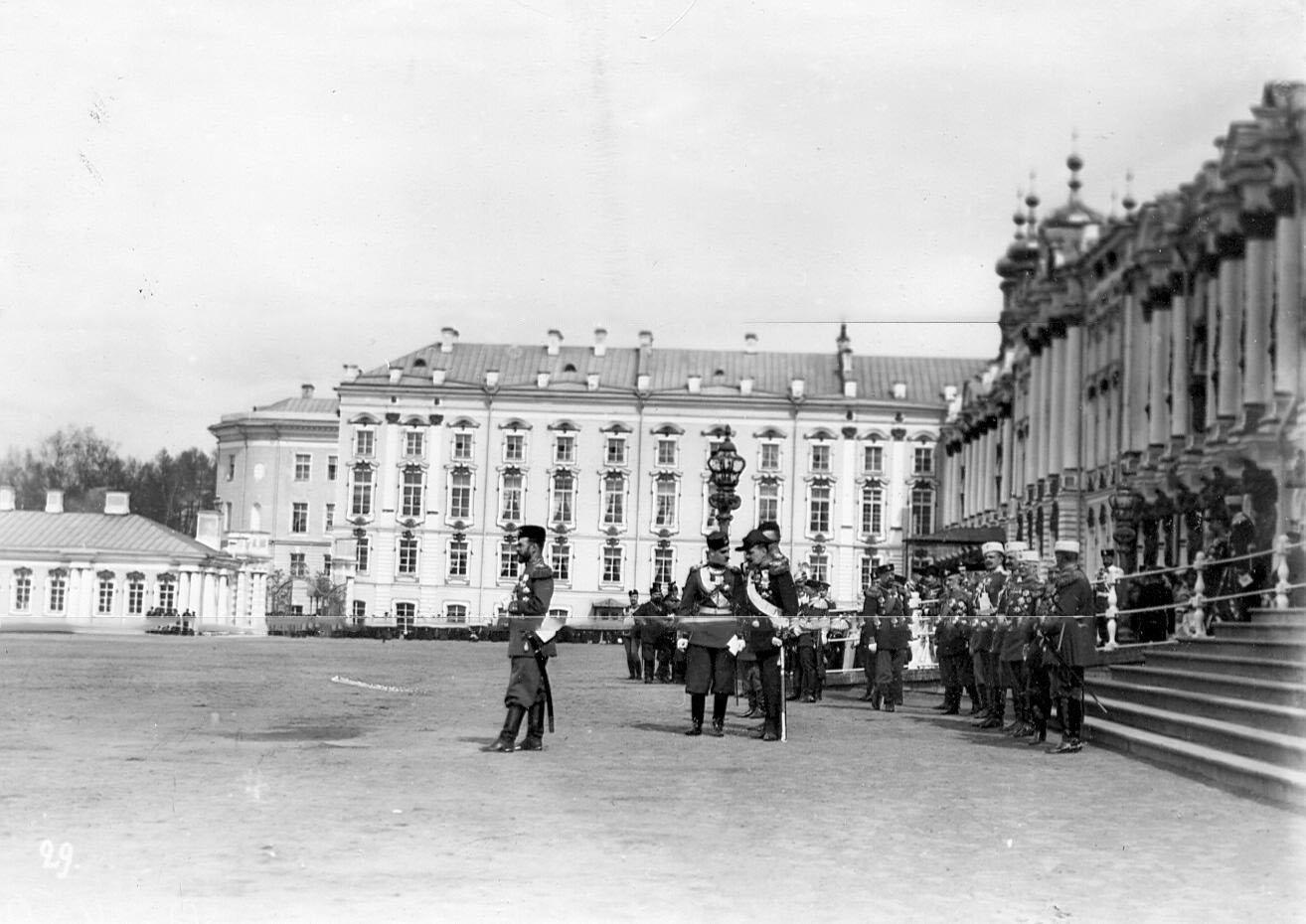 Вид части площади и Екатерининского дворца