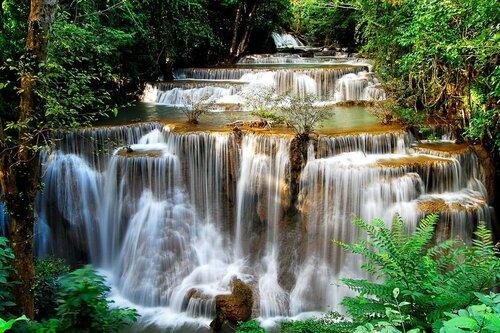 Водопад Хуай Mae Камень. Таинланд